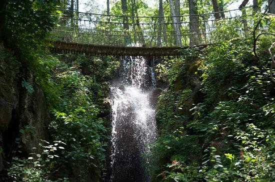 Gatlinburg In The Fall Wallpaper The Longest Swinging Bridge In The Us Is In Tennessee
