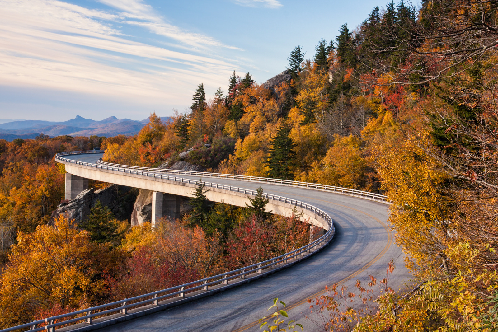 Pure Michigan Fall Wallpaper 10 Of The Most Beautiful Scenic Fall Drives In North Carolina