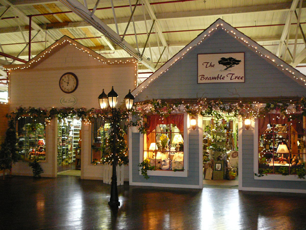 Pinterest Christmas Market Street Of Shops Is A Charming Indoor Village In Pennsylvania