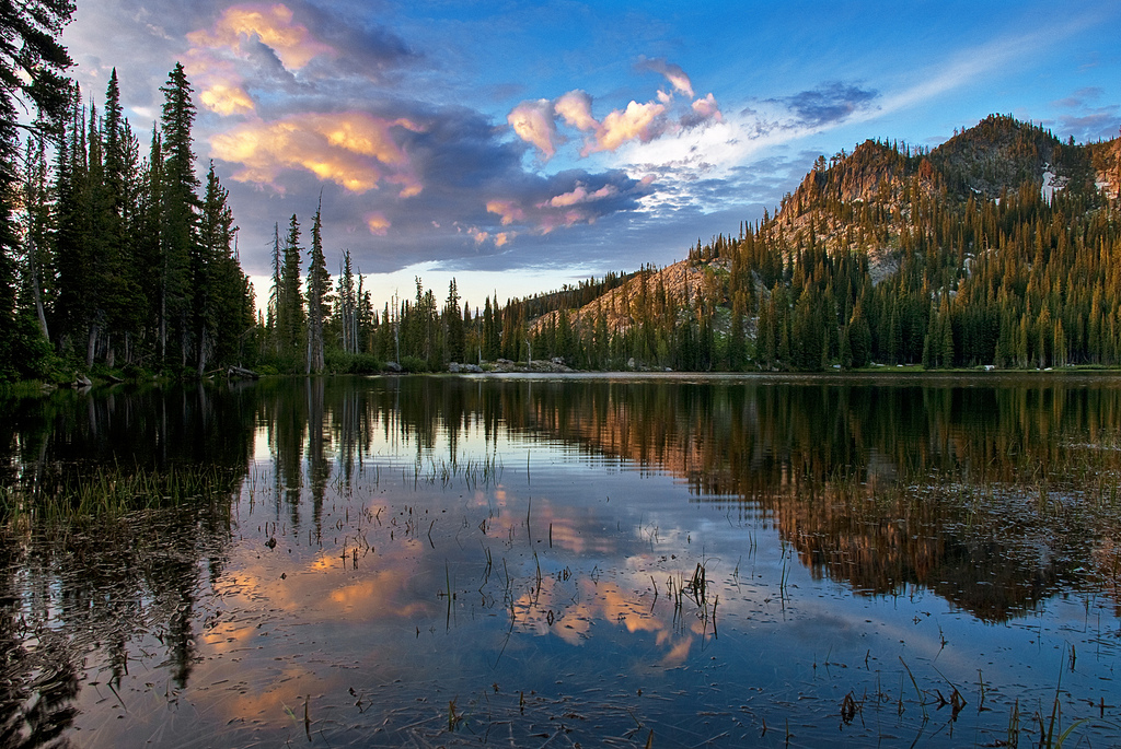Kentucky Fall Wallpaper Blue Lake Is The Most Beautiful Campground In Idaho
