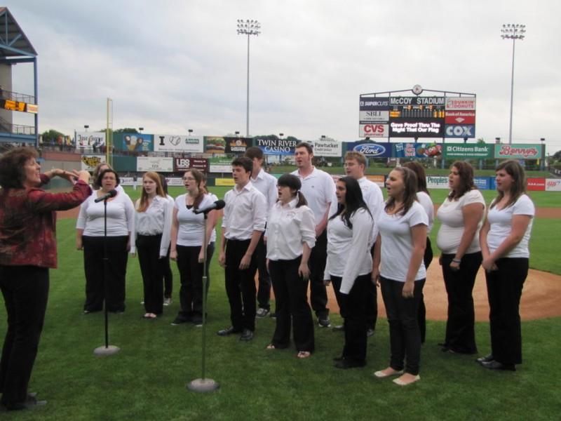 School Calendar Middletown Ri Home Town Of Middletown Tiverton High School Chorus Opens Pawsox Game Tiverton