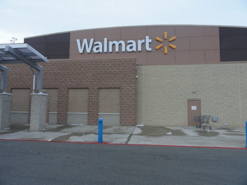 Banned Couple Cannot Resist Lure of New Lenox Walmart Police