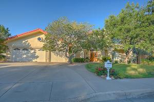 11117 Country Club Drive NE, Albuquerque, NM 87111