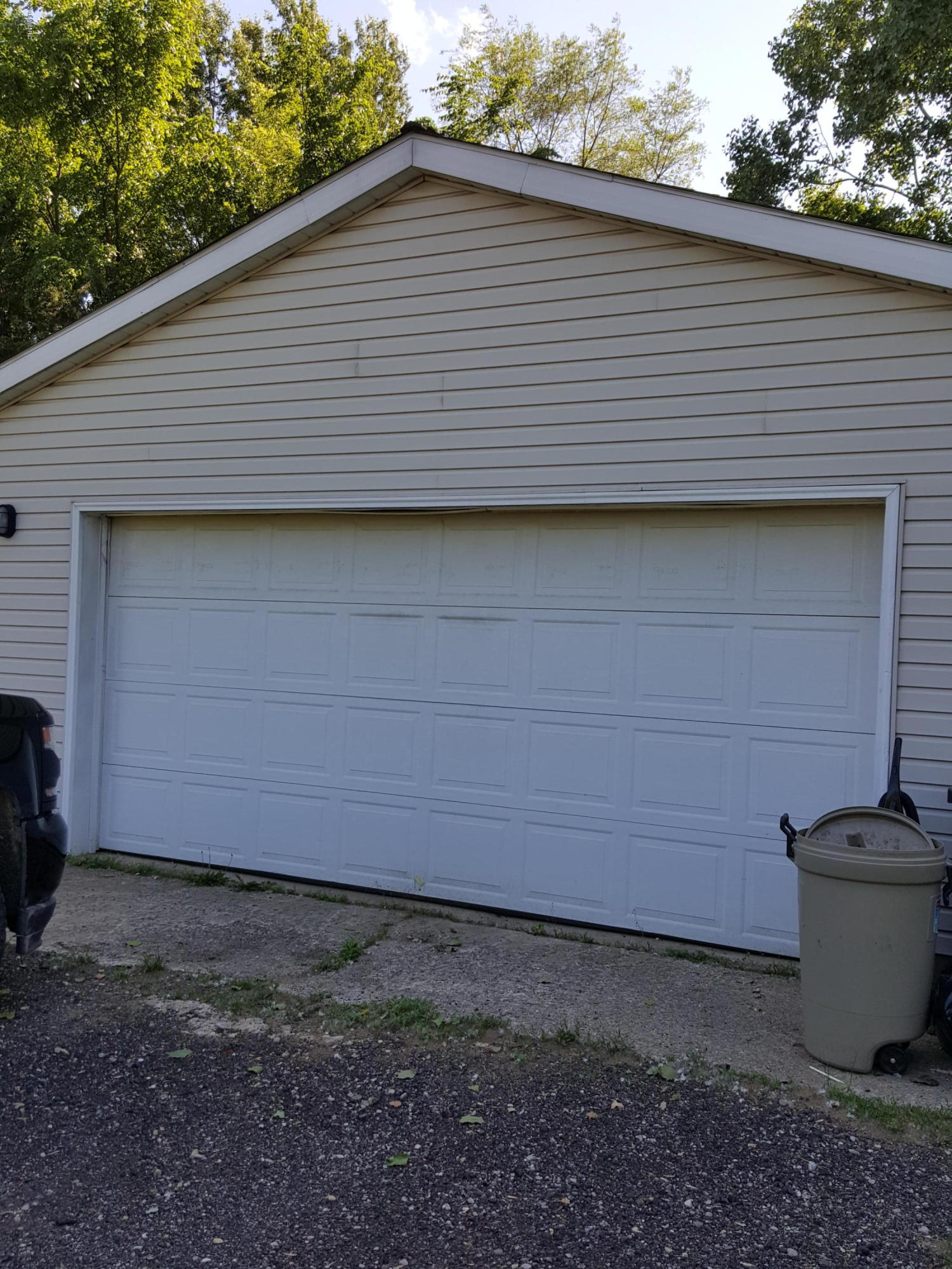 Garage Door Repair Jackson Mi 6420 Gillis Drive Jackson 49201 Mls 18025370 Greenridge Realty Inc