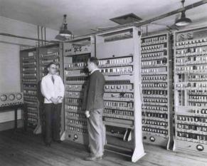 Maurice Wilkes and Bill Renwick in front of the complete EDSAC. Credit: Wikipedia/CC BY 2.0