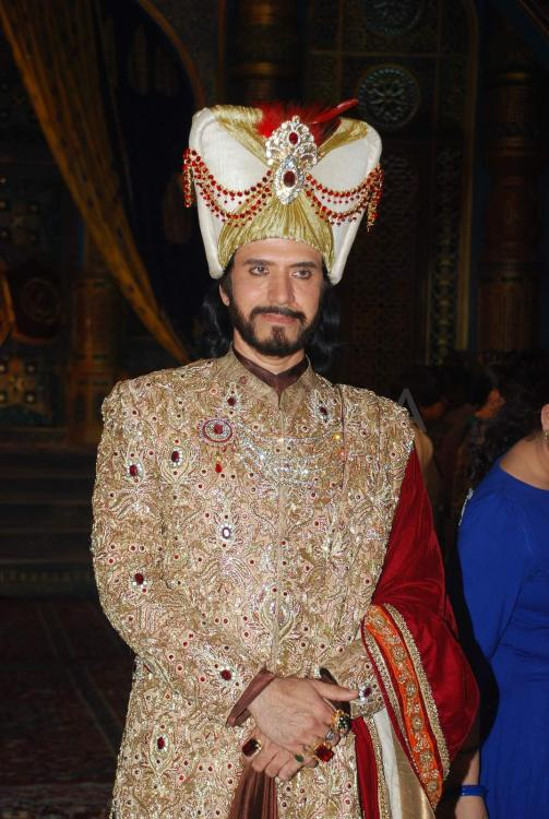 Lit Sultan First Look: The Grand Set Of 'razia Sultan' Unveiled