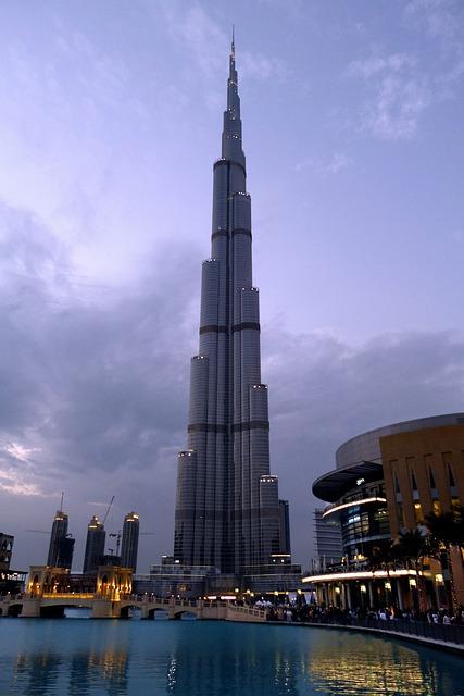 Night View Hd Wallpaper Free Photo Dubai Burj Kalifa City Fountain Free
