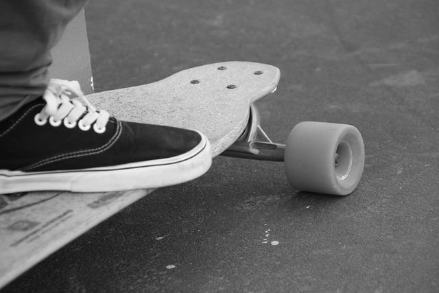 Black Wallpaper Skateboard Black And White 183 Free Photo On Pixabay