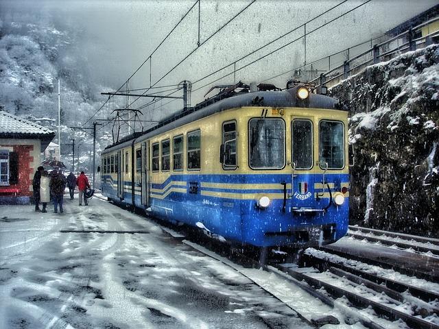 Vertical Wallpaper Hd Free Photo Train Shine Bus Tram Snow Free Image On