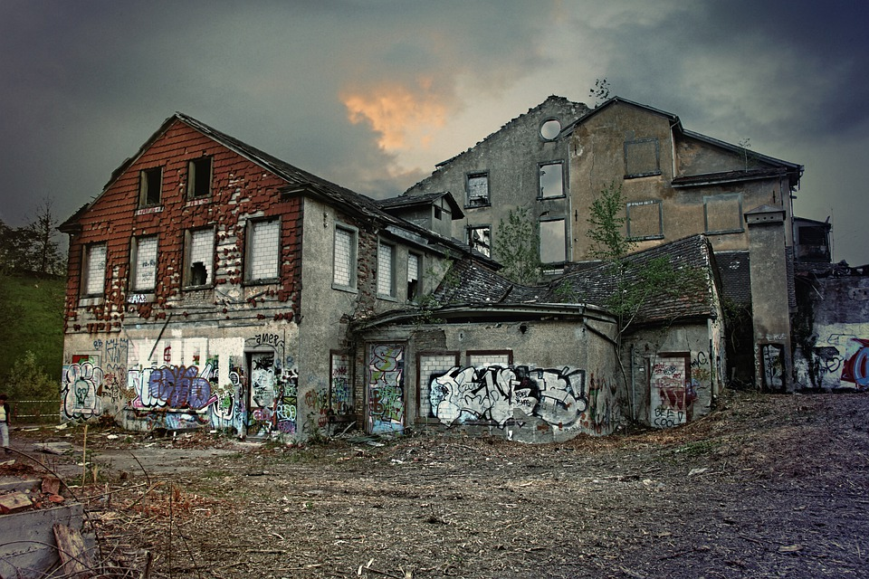 Falling Down A Portal Wallpaper Ruins Break Up Old Houses Former 183 Free Photo On Pixabay
