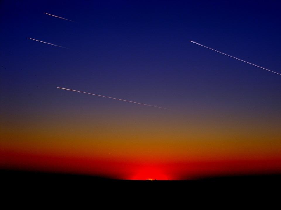 Falling Star Wallpaper Hd Foto Gratis Streaming Aviones Rayas Volando Imagen
