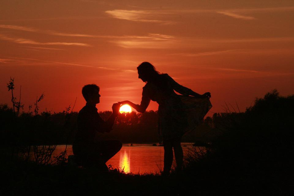 Boy Proposing Girl Hd Wallpaper Couple Amour Coucher De Soleil 183 Photo Gratuite Sur Pixabay