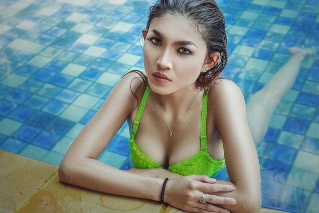 Happy Girl In Rain Wallpaper Girl Bikini Swim 183 Free Photo On Pixabay