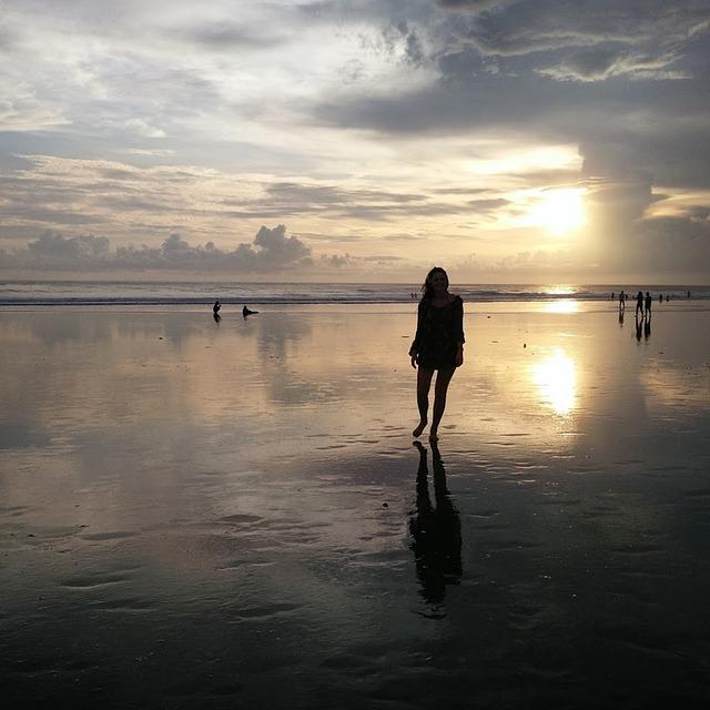 Quiet Girl Wallpaper Download Girl Horizon Beach 183 Free Photo On Pixabay