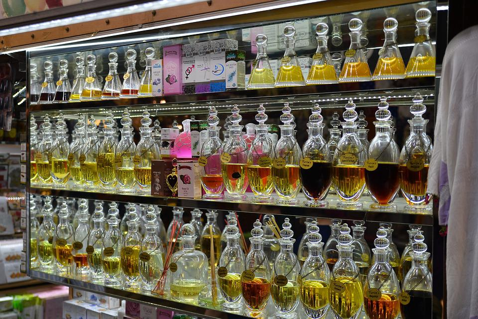 Autumn Girl Wallpaper Perfume Shop 183 Free Photo On Pixabay