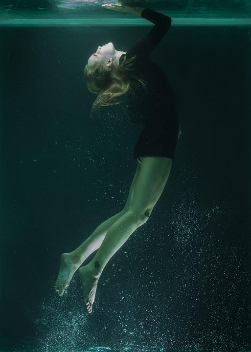 Niagara Falls Wallpaper Free Download Underwater Model Portrait 183 Free Photo On Pixabay