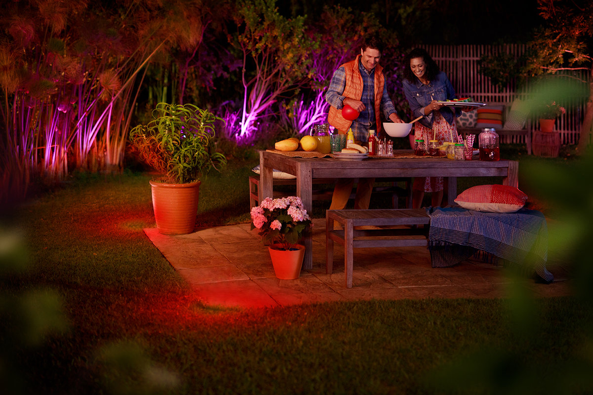 Hue G10 Philips Hue Outdoor Lighting Range Planned For This Summer Po
