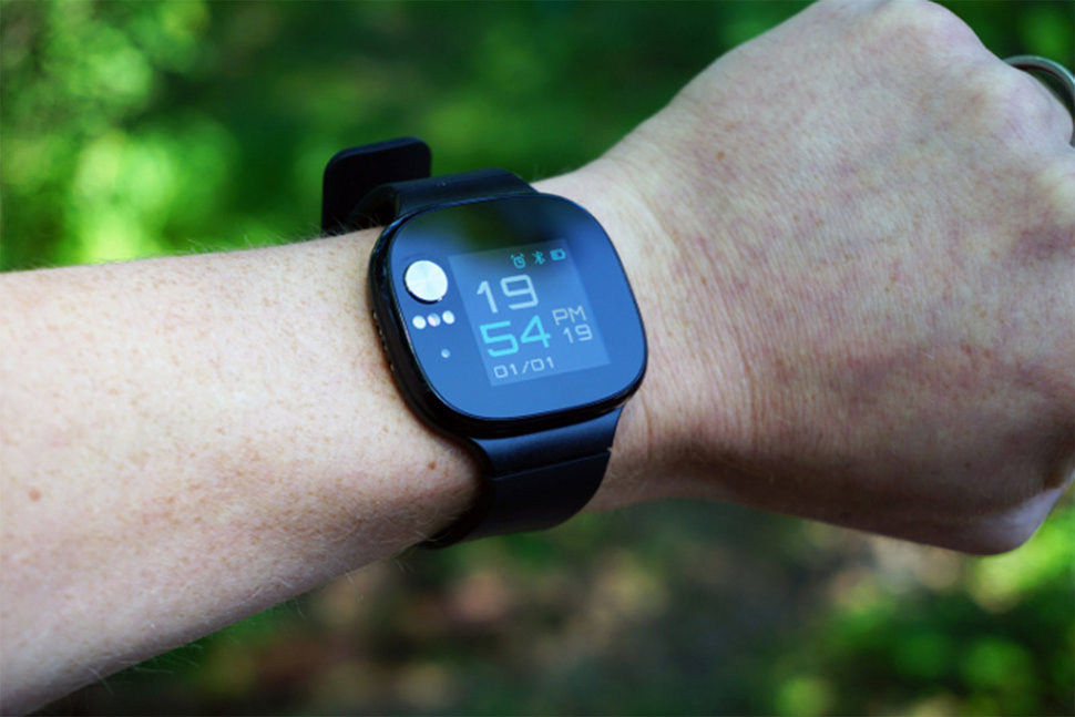 Asus VivoWatch BP is a fitness tracker and blood pressure monitor in
