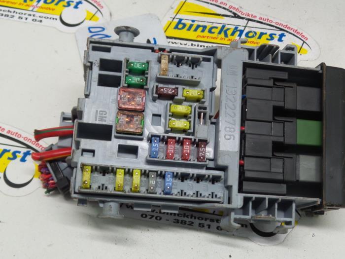 Used Chevrolet Orlando (YYM/YYW) 18 16V VVT Fuse box - 13222786