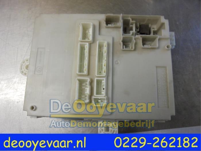 Used Honda Insight (ZE2) 13 16V VTEC Fuse box - TM8G2100C04 - De