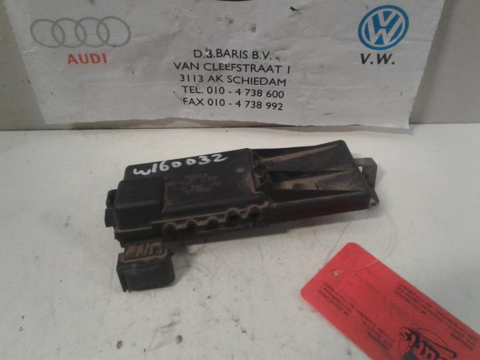Used Volkswagen Golf IV (1J1) 19 TDI 110 Fuse box - 1J0937550