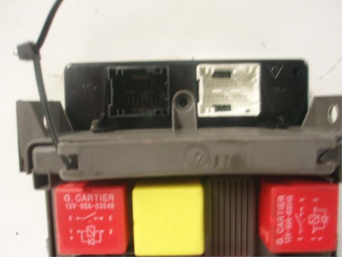 Used Renault Espace (JK) 22 dCi 16V Fuse box - 8200315957