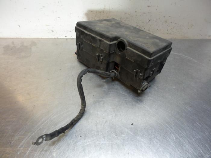 Used Ford Focus II 16 Ti-VCT 16V Fuse box - 518804109
