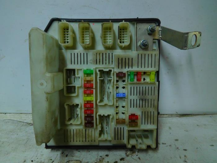 Used Renault Kangoo Express (FW) 15 dCi 85 Fuse box - 8201044237