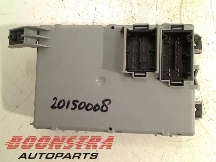 Used Ford Ka II 12 Fuse box - 00518735490 - Boonstra Autoparts