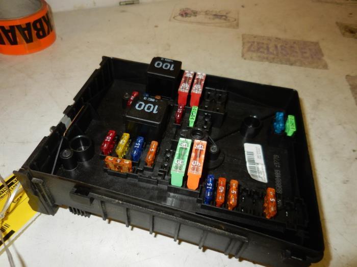 Used Skoda Octavia Combi (1Z5) 14 TSI 16V Fuse box - 1K0937629A