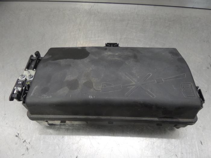 Used Chevrolet Orlando (YYM/YYW) 20 D 16V Fuse box - 13255300
