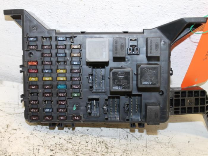 Used Ford Mondeo III 18 16V Fuse box - 1S7T14A073AE - van Gils