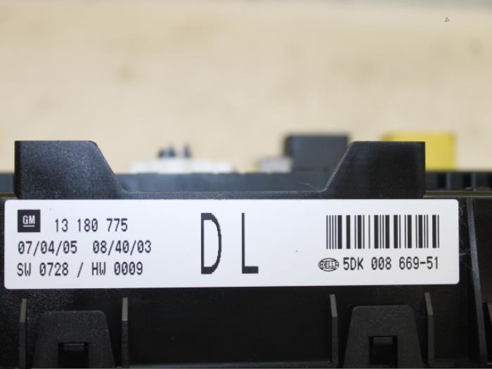 Used Opel Astra H (L48) 13 CDTI 16V Ecotec Fuse box - 13180775