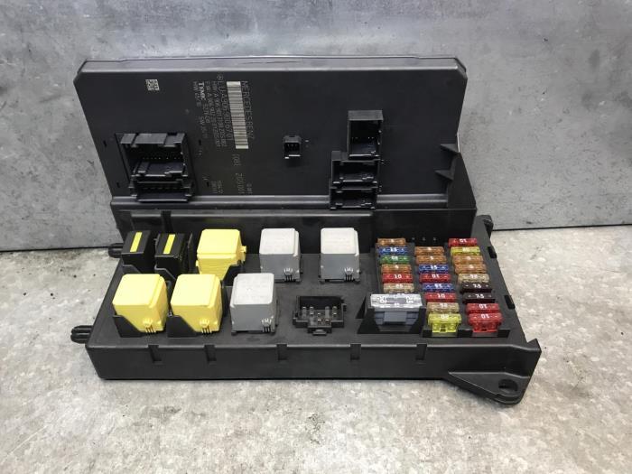 Used Mercedes Sprinter Fuse box - A9069006701 - de Nollen