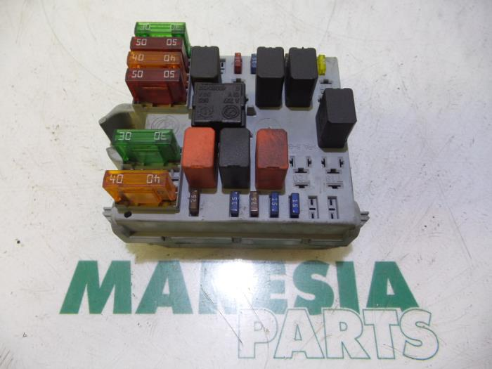 Used Alfa Romeo 147 (937) 16 Twin Spark 16V Fuse box - 46558759