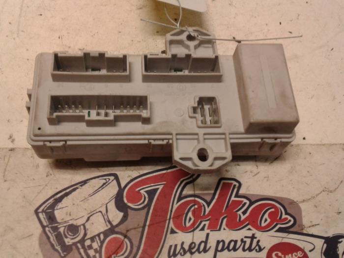 Used Kia Sorento I/II (JC) 25 CRDi 16V Fuse box - 911703E920