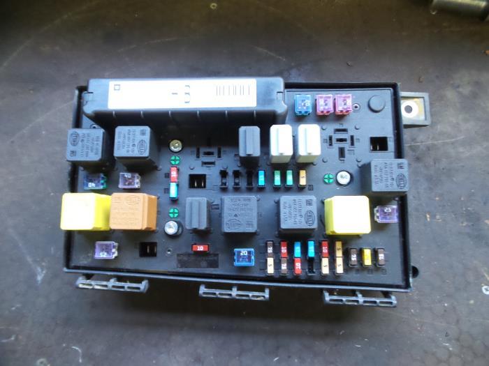Used Opel Astra H GTC (L08) 13 CDTI 16V Ecotec Fuse box