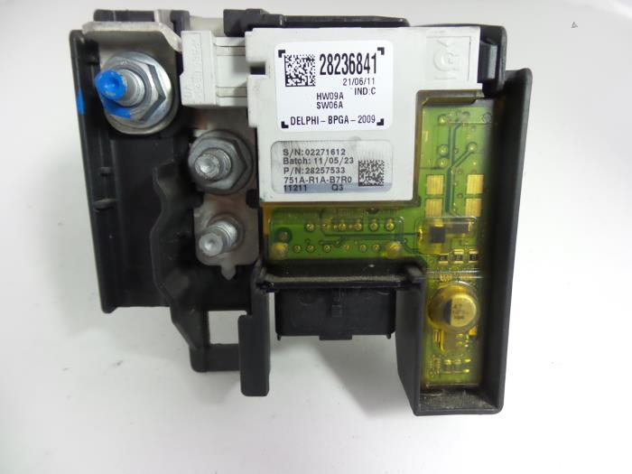 Used Peugeot 308 SW (4E/H) 16 VTI 16V Fuse box - 9666527680