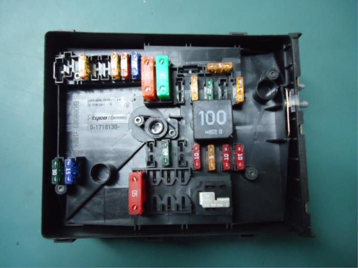 Used Skoda Octavia Combi (1Z5) 16 TDI Greenline Fuse box