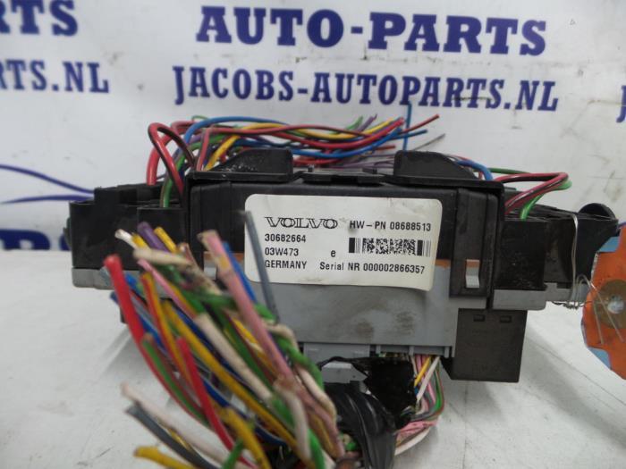 Used Volvo XC90 Fuse box - P8691998 - Jacobs auto-parts ProxyParts