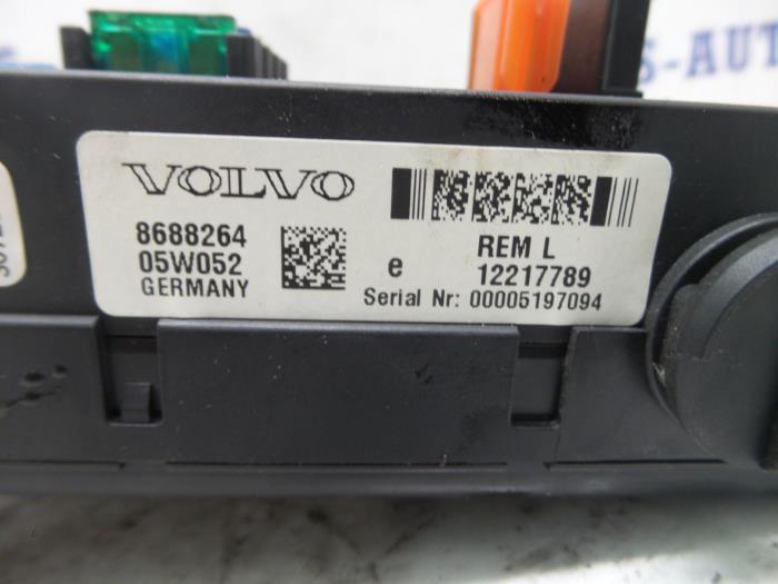 Used Volvo S60 Fuse box - 05W052 - Jacobs auto-parts ProxyParts