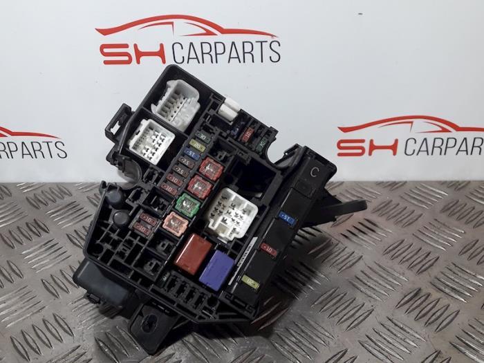 Used Toyota Yaris Fuse box - 72818502 - SH Carparts ProxyParts