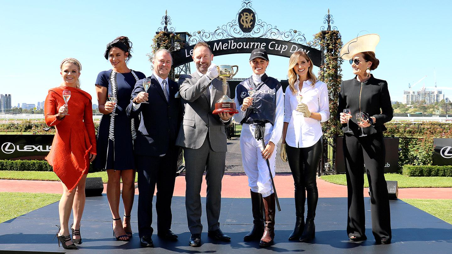 Canape Diva Ascot Melbourne Cup Events Fashion 2019 What To Wear To Cup Day