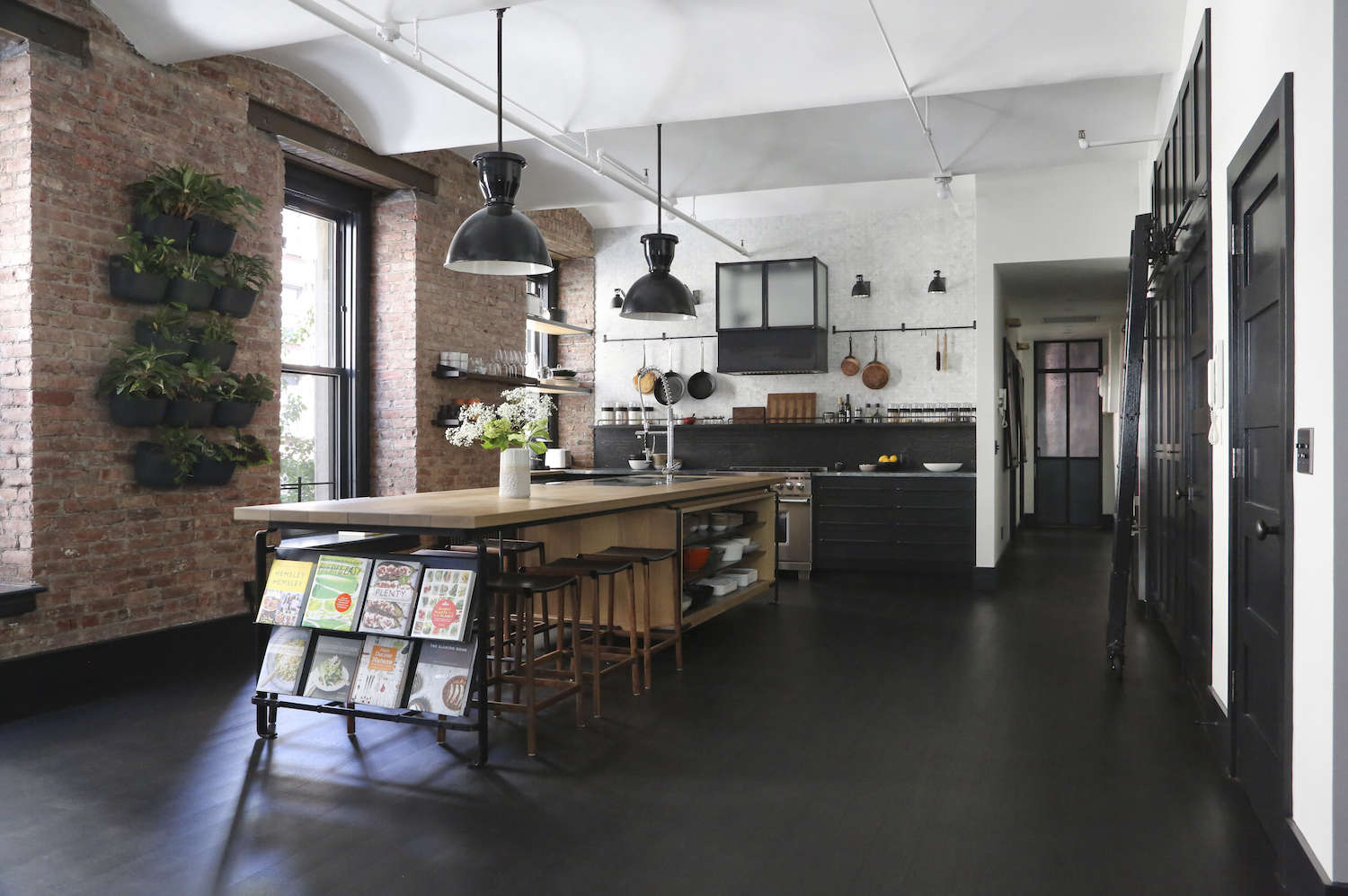 Cuisine Loft New Yorkais A Rugged Rustic Nyc Loft By Matt Bear Of Union Studio Remodelista
