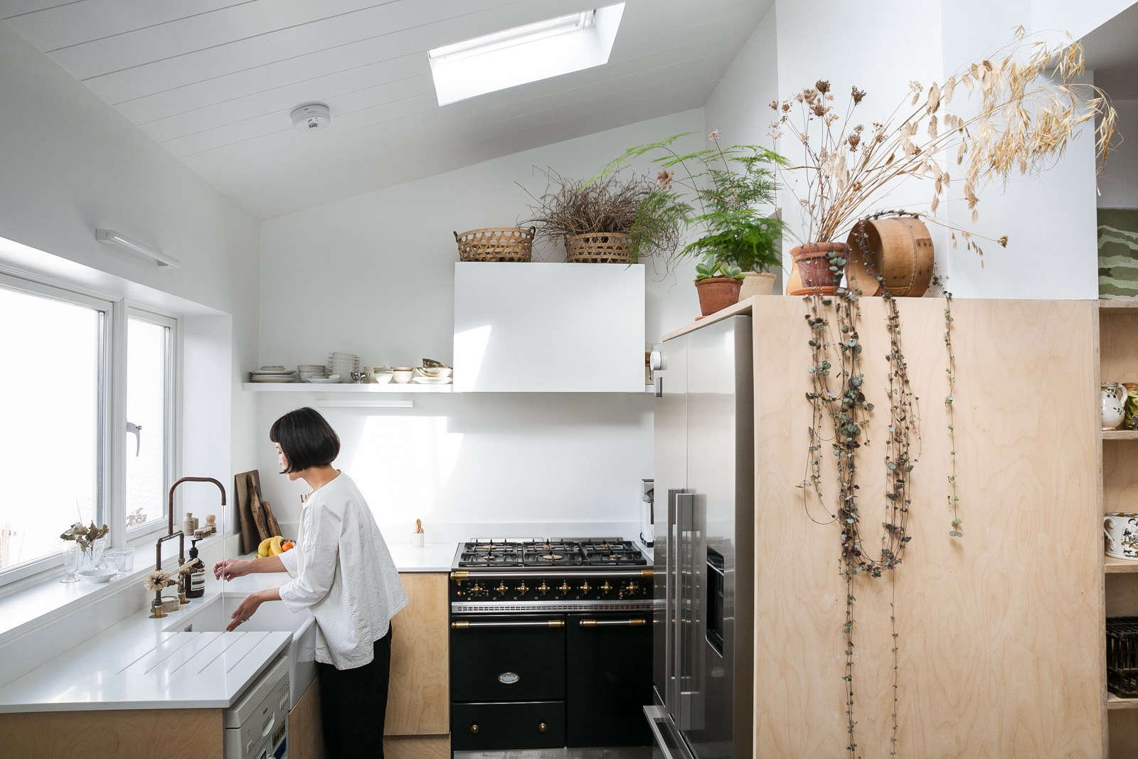 Thonet Lum Steal This Look A Botanical Stylist S Creative Kitchen