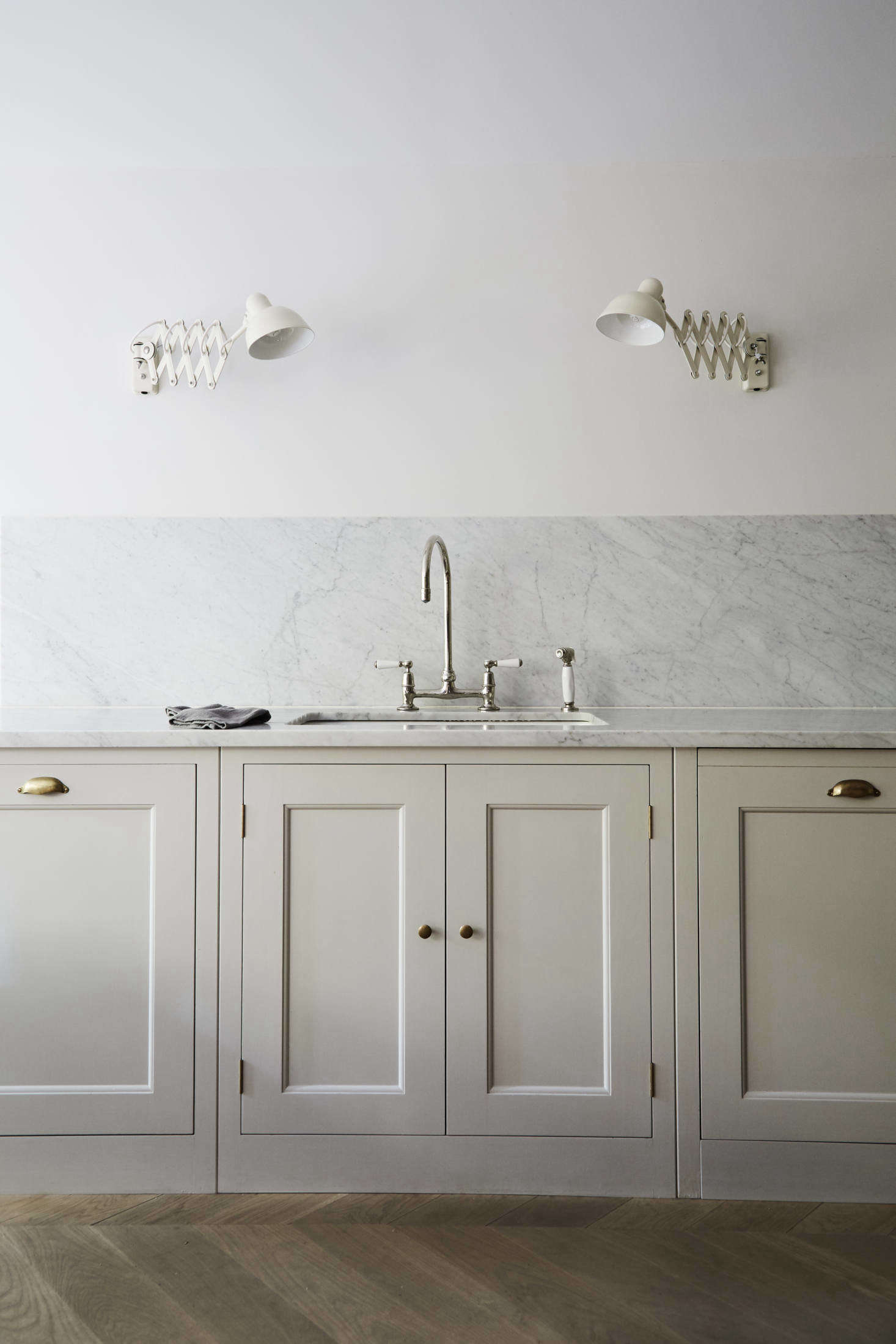 White Carrera Marble Kitchen Countertops 16 Favorite Solid Marble Kitchen Backsplashes For Maximum Drama