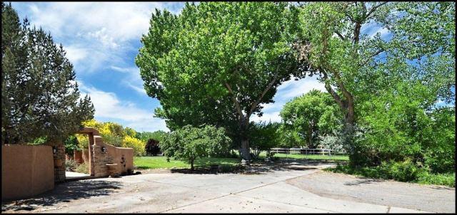 490 Applewood Road, Corrales, NM 87048