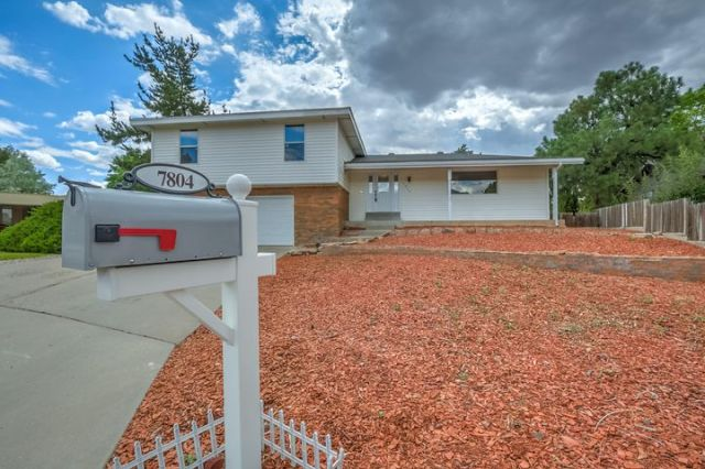 7804 Academy Trail NE, Albuquerque, NM 87109