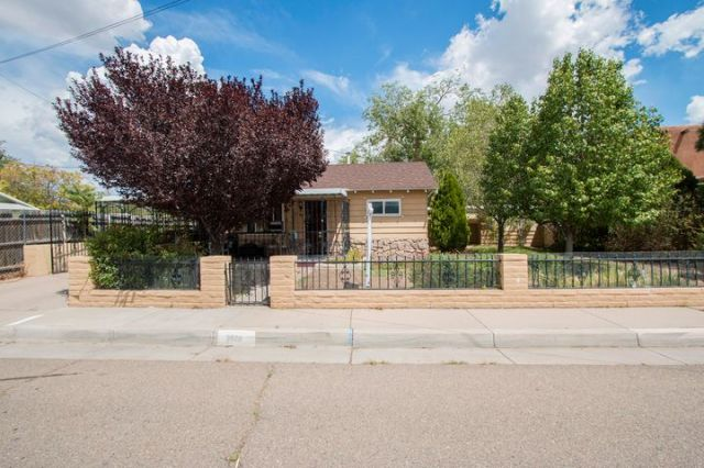 3928 3Rd Street NW, Albuquerque, NM 87107