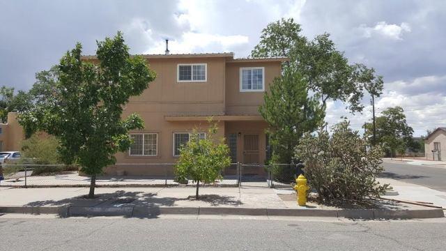 1519 Los Tomases Drive NW, Albuquerque, NM 87102